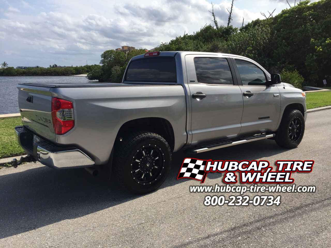 2014 toyota tundra with 20 fuel krank d517 wheels. Black Bedroom Furniture Sets. Home Design Ideas